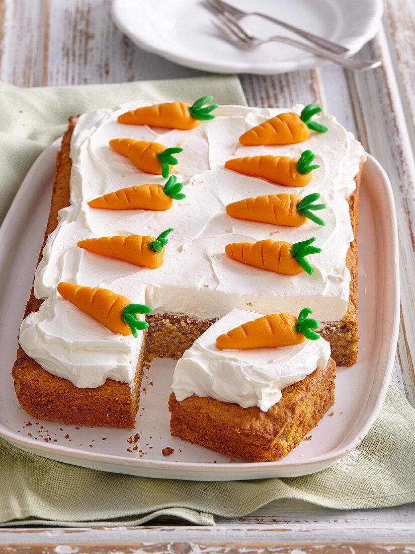 Carrot tray cake with lemon cream