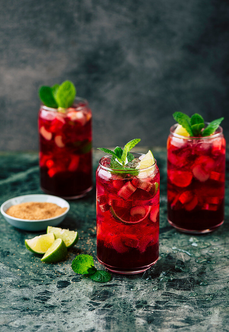 Sparkling rhubarb and lime drink
