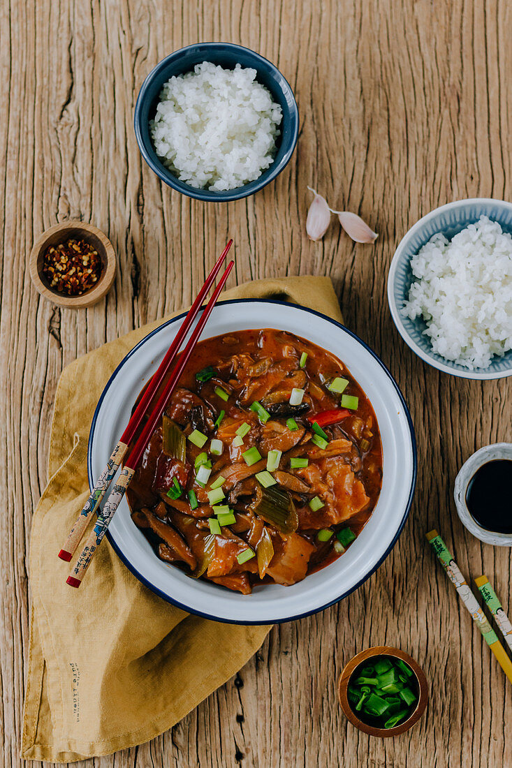 Vegan Red Curry with Fake Meat and Shiitake