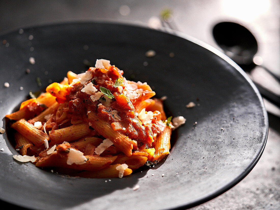 Penne alla vodka with tomatoes