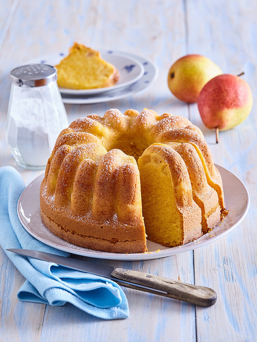 Fancy bread with almond and pears
