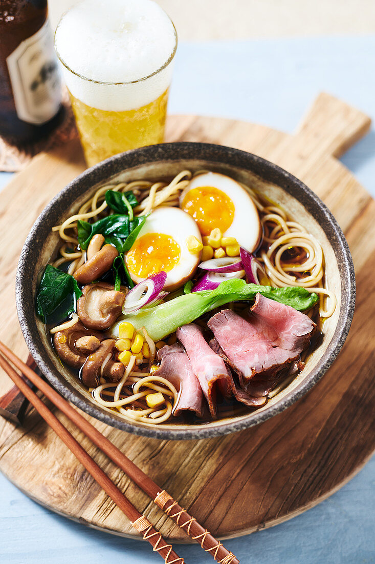 Ramen soup with roast beef and eggs (Asia)