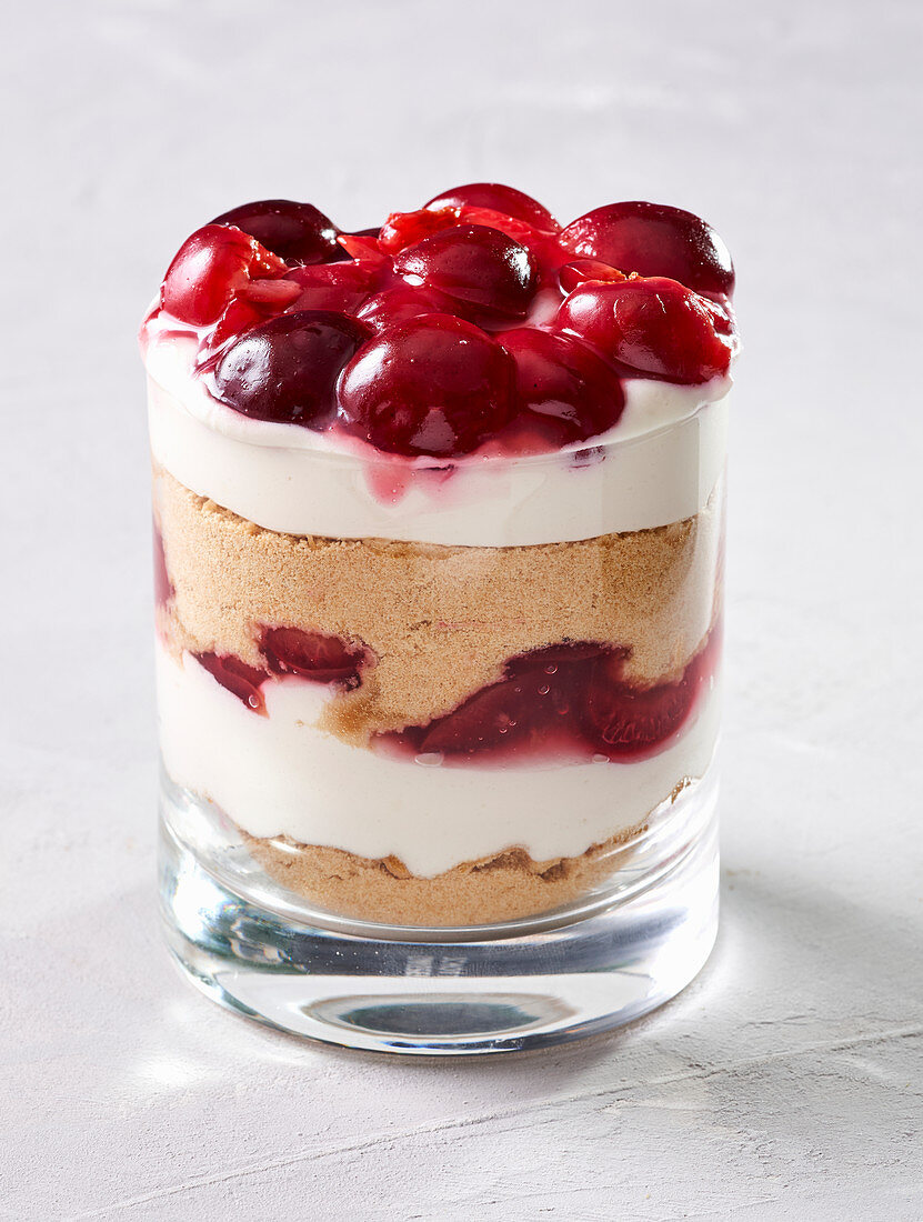 Cherry dessert in a glass (vegan)