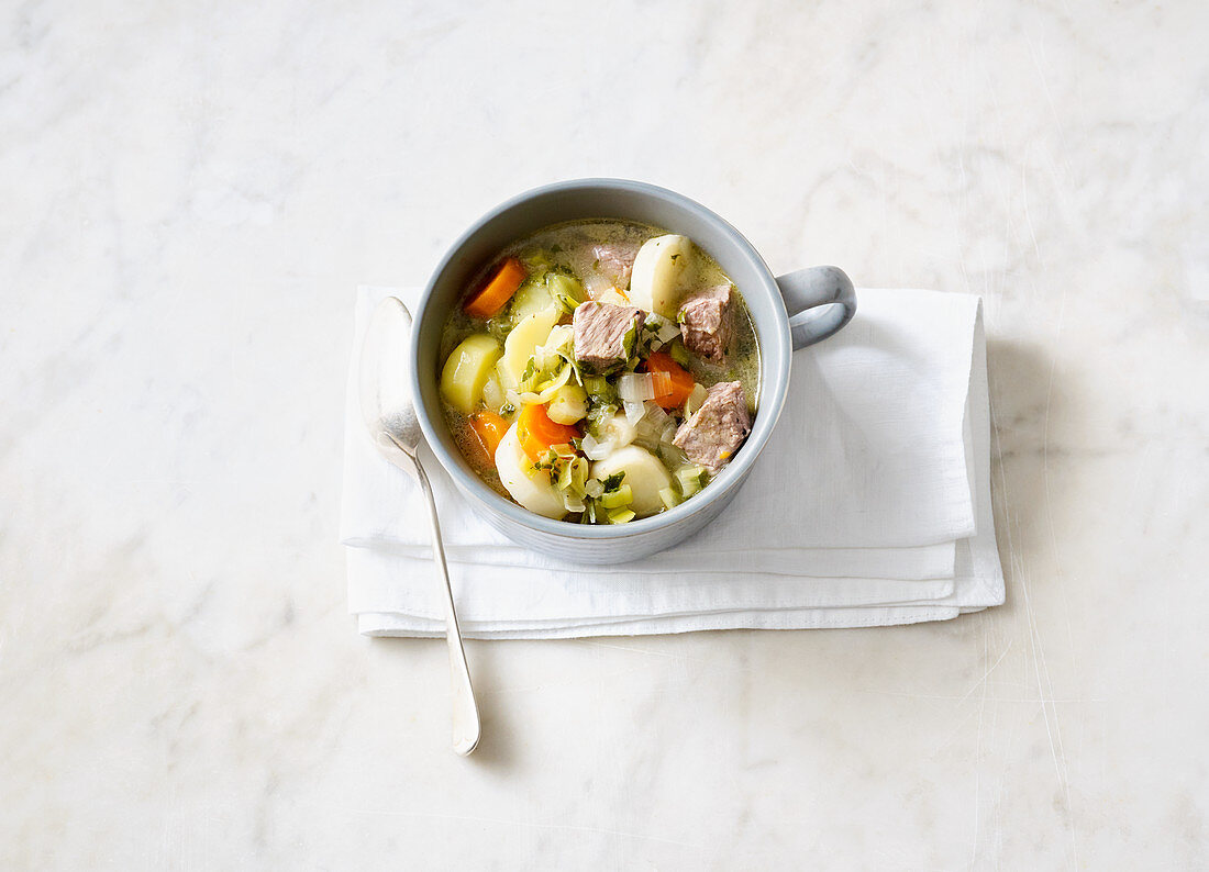 Quick Pichelsteiner Eintopf (German stew with meat and vegetables) with beef
