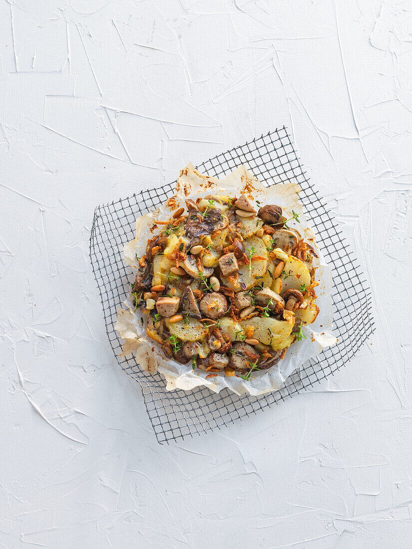 Meat pie with potatoes and mushrooms