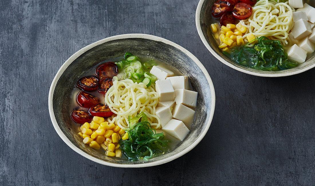 Ramen with roasted tomatoes, sweetcorn and tofu