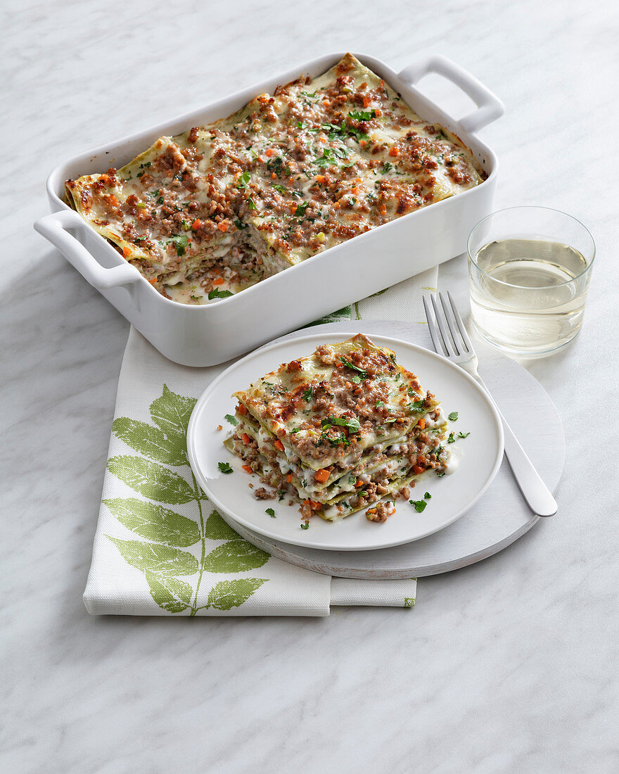 Green lasagne with veal and Bechamel sauce