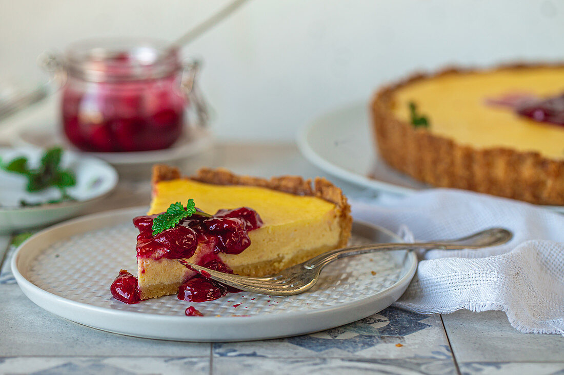 Pie with ricotta and sour cherries