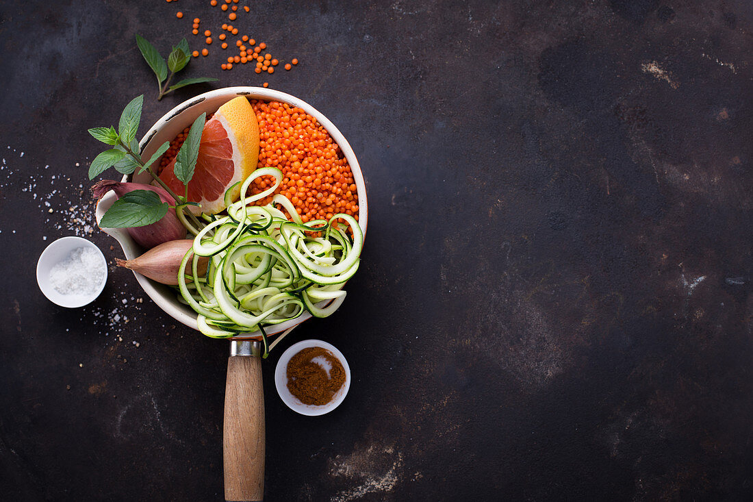 Ingredients for lentil stew with grapefruit and zoodles