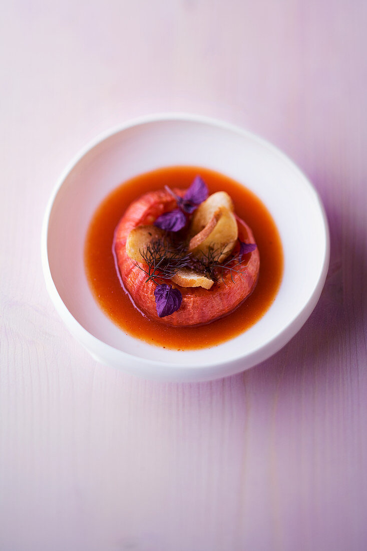 Roast tomato soup with star anise oil