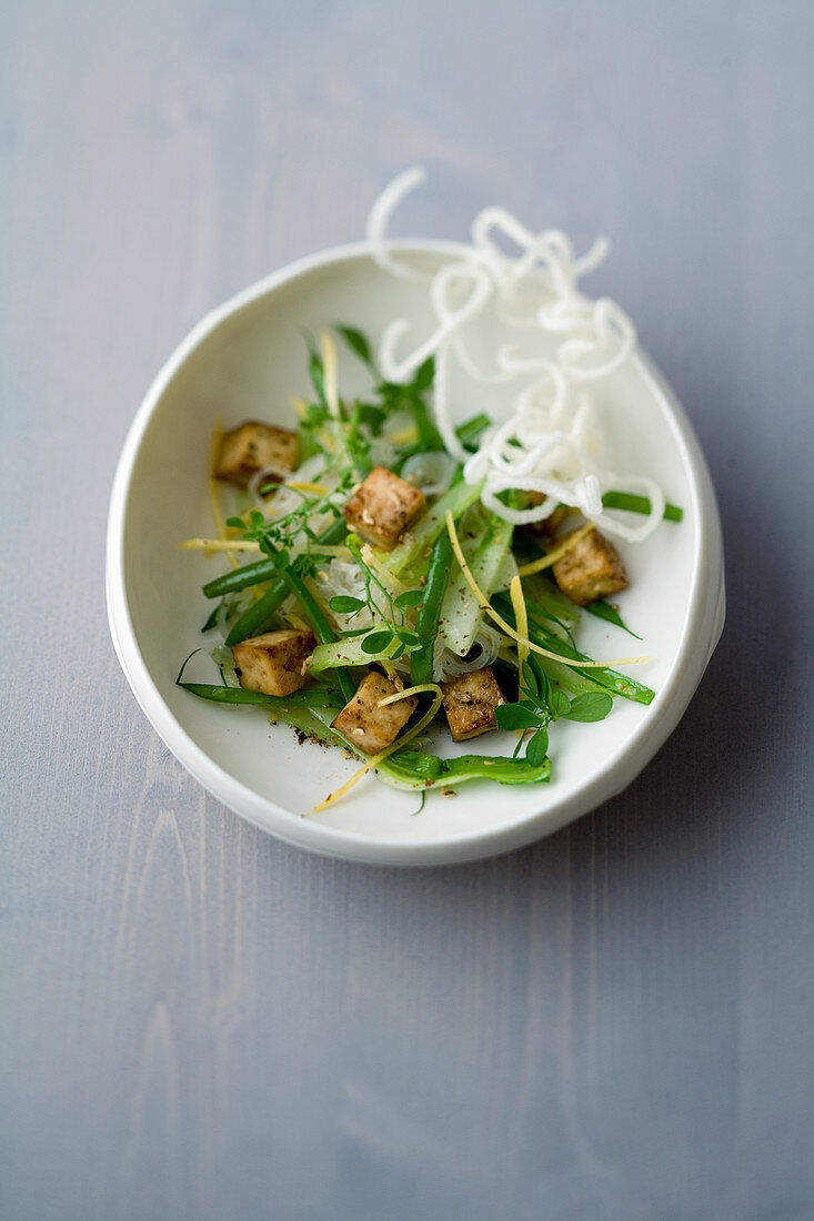 Rice noodles with caramelized tofu and Szechuan pepper