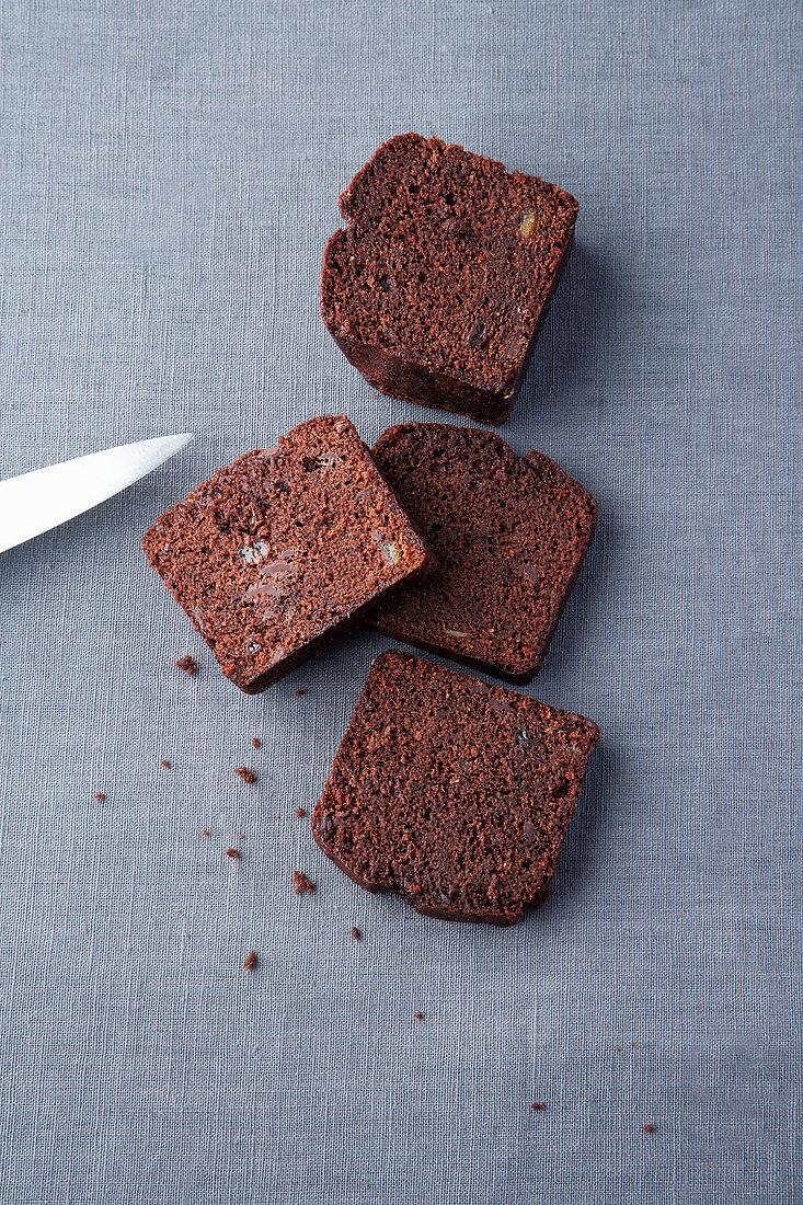 Chocolate ginger cake with lemongrass