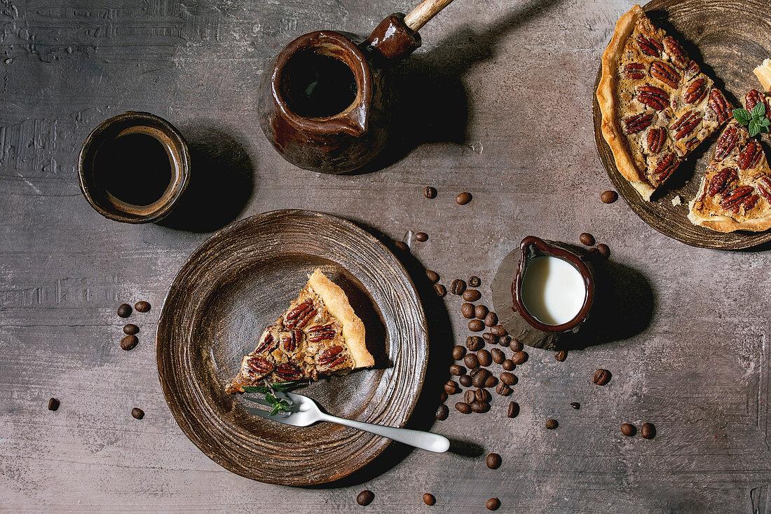 Pecan pie with caramel (USA)