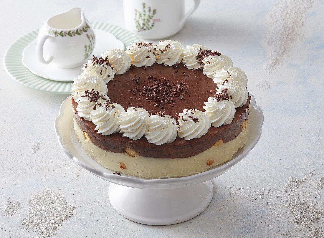 Two-layer pudding cake