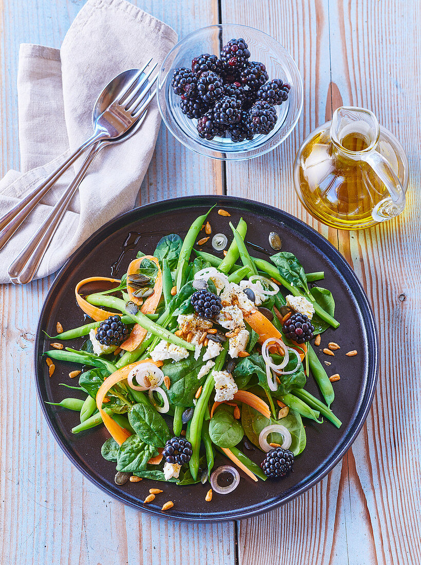 Bean salad with goat cheese