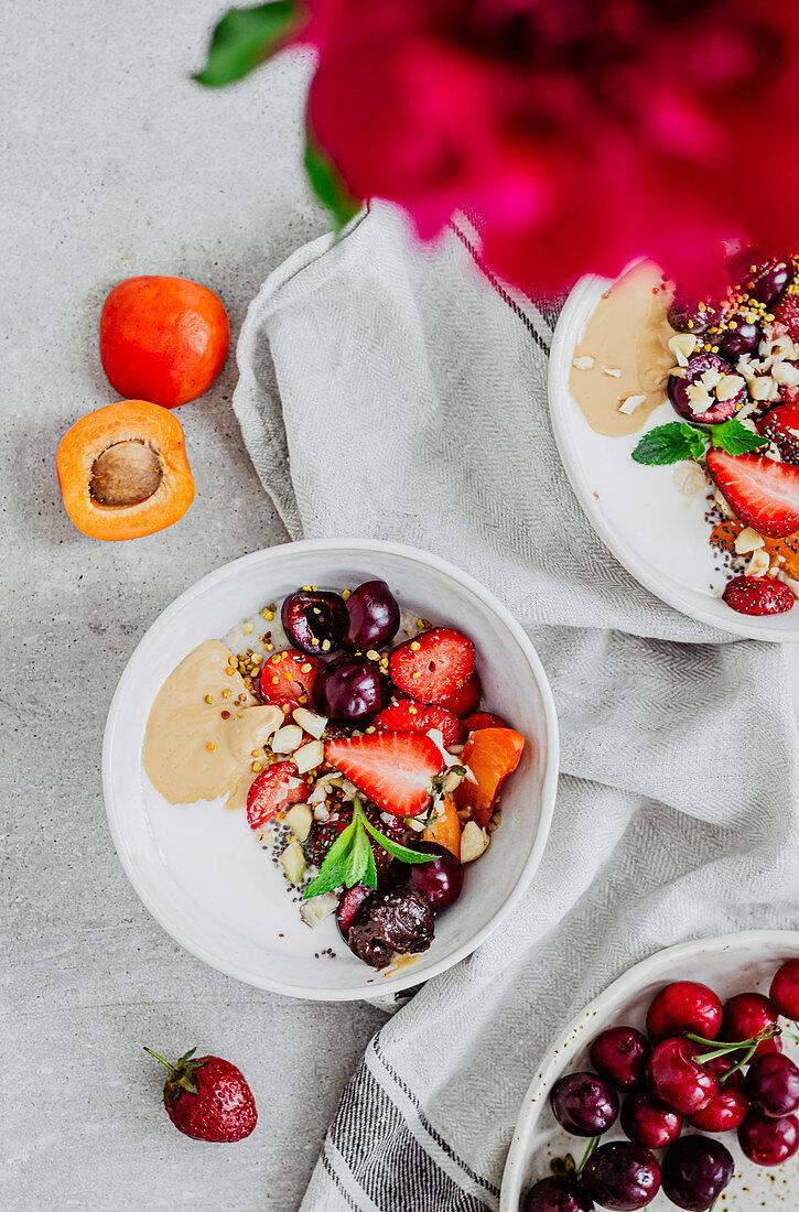 Strawberry and cherry porridge