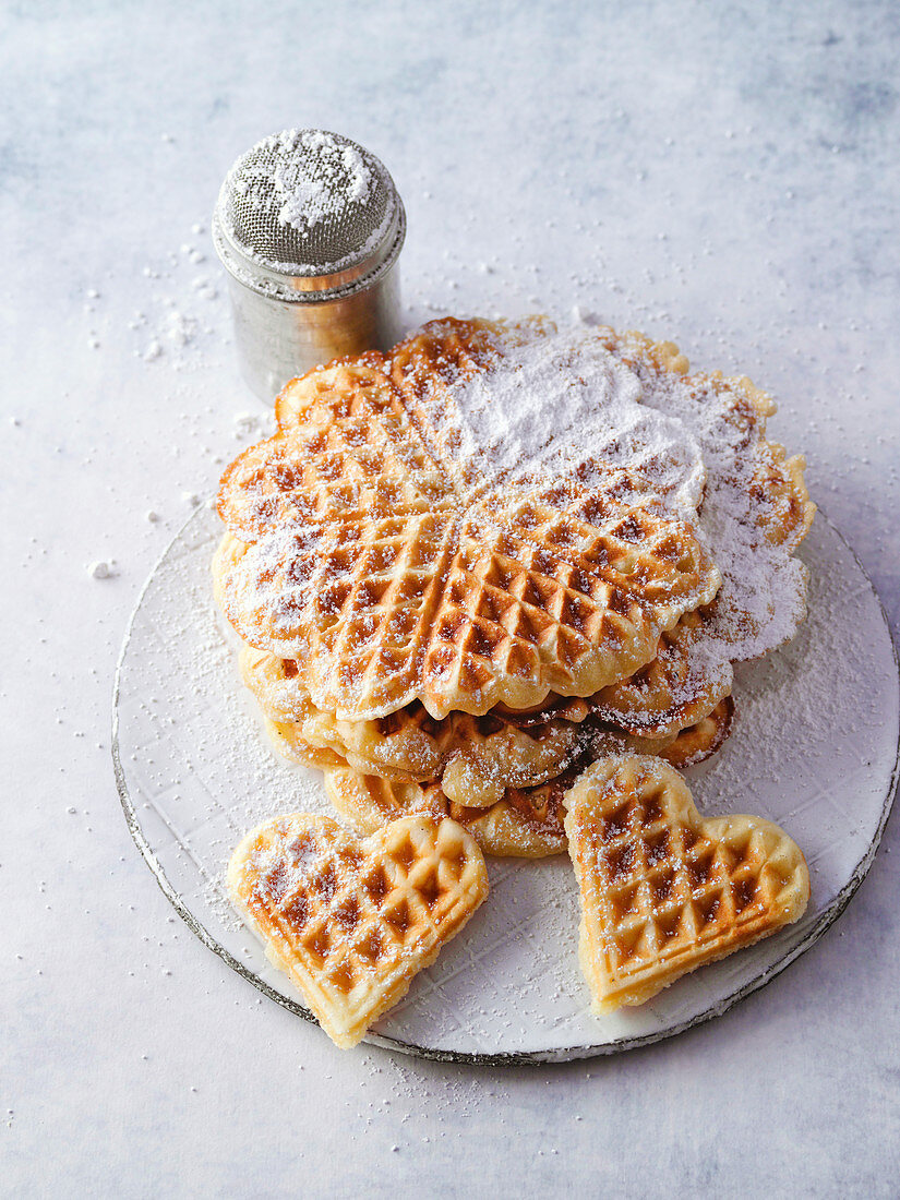 Bergisch waffles with icing sugar