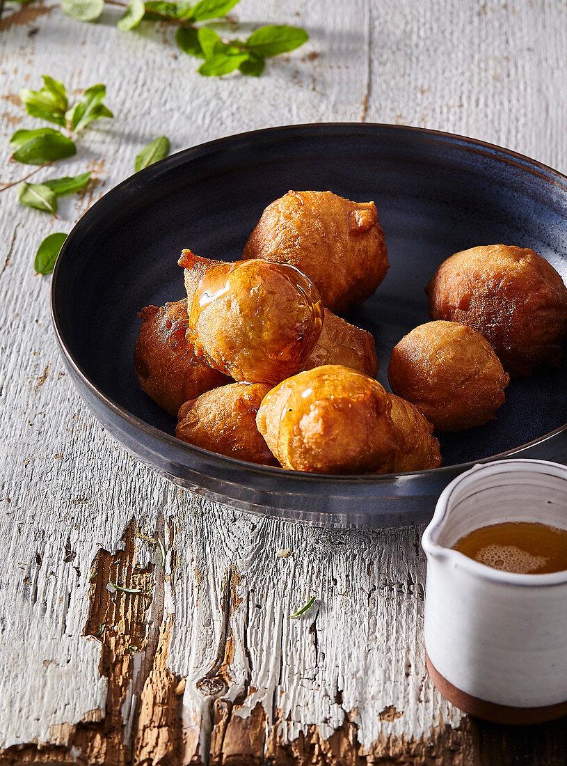 Loukoumades - Cyprian doghnuts with honey sirup