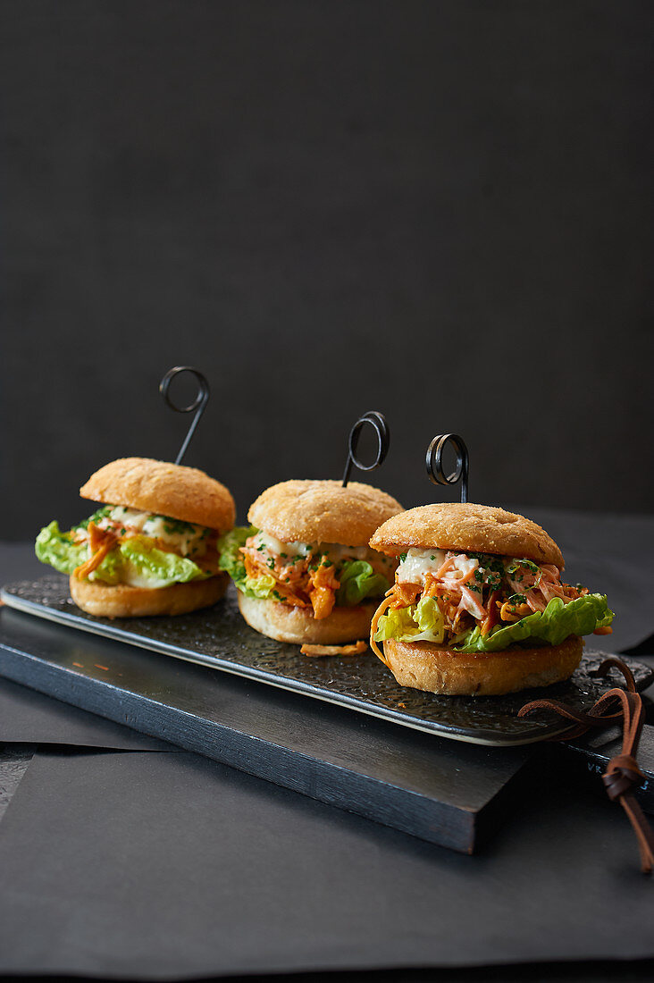 Buffalo Chicken Sliders with Pulled Chicken