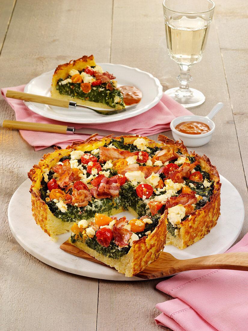 Spinat-Feta-Quiche mit Röstiboden und Bacon
