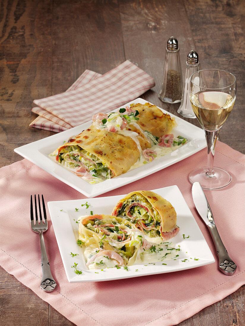 Pasta-Rolle mit Lauch, Schinken und Käserahm