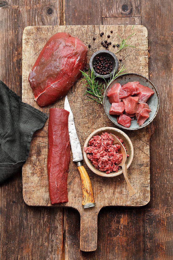 Game: goulash, minced meat, roast venison and fillet