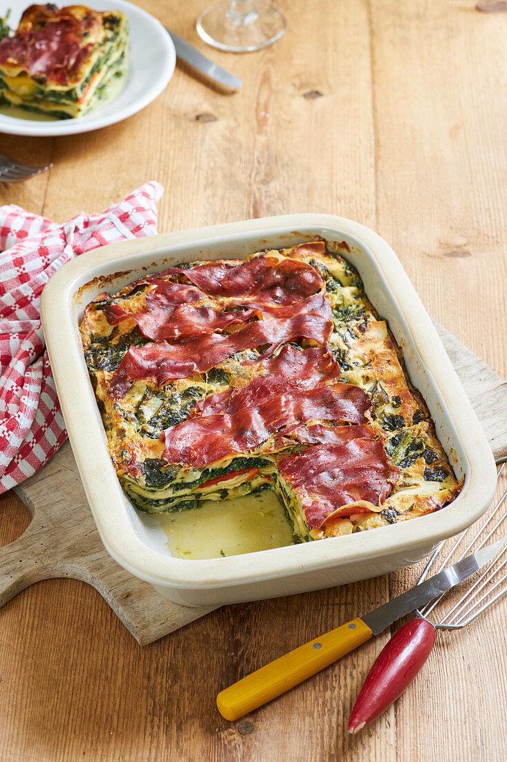 Spinach lasagne 'carbonara'