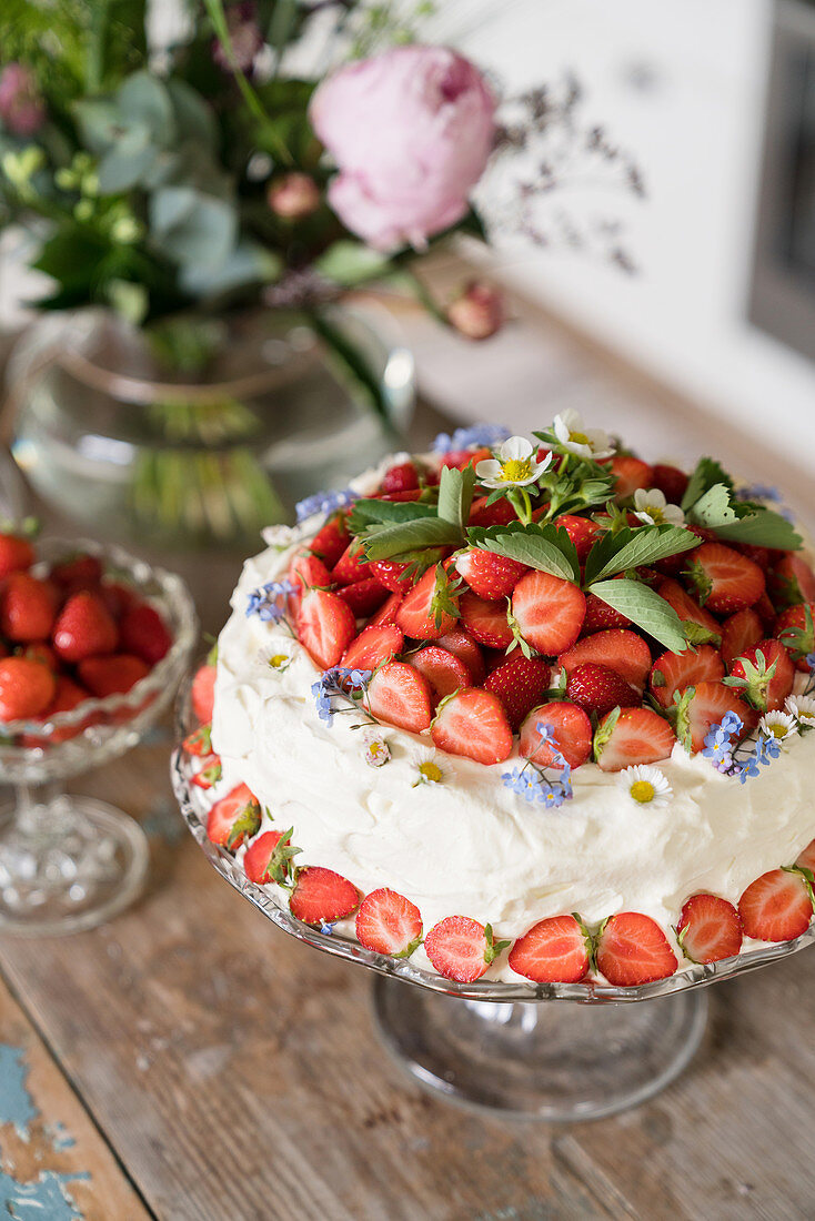 Strawberry cake decorated with flowers
