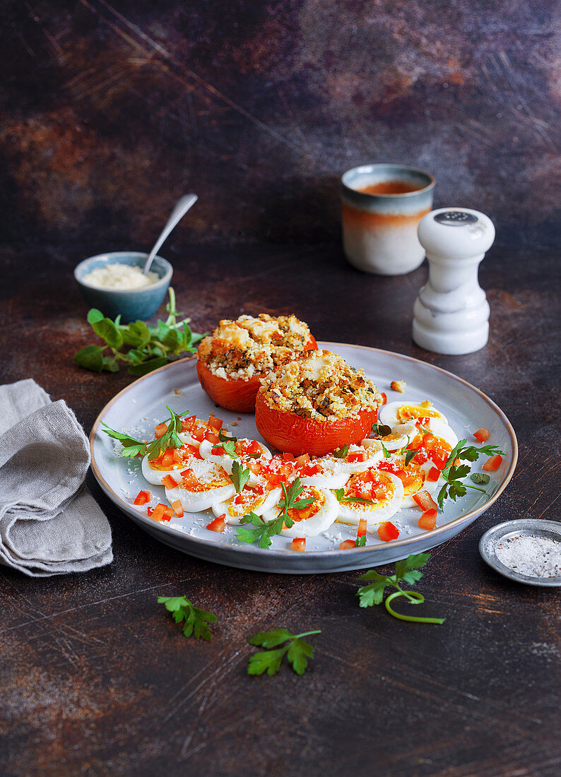 Egg carpaccio with gratinated tomatoes