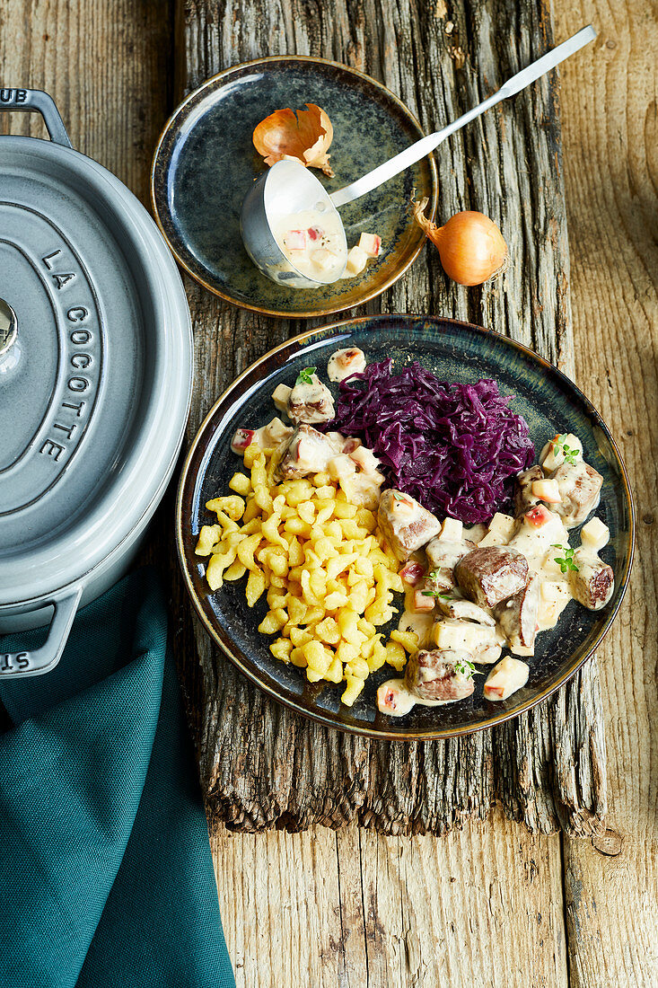 Venison ragout with calvados cream, red cabbage and Spätzle (soft egg noodles from Swabia)