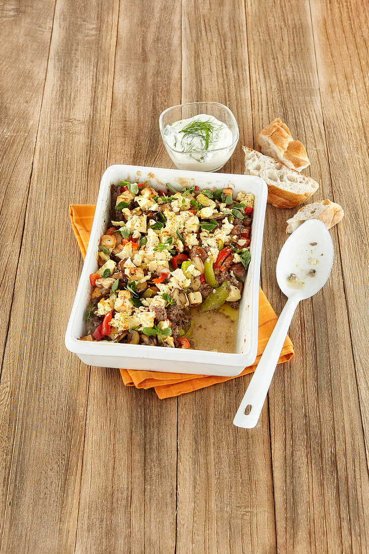 Minced meat casserole with peppers and feta