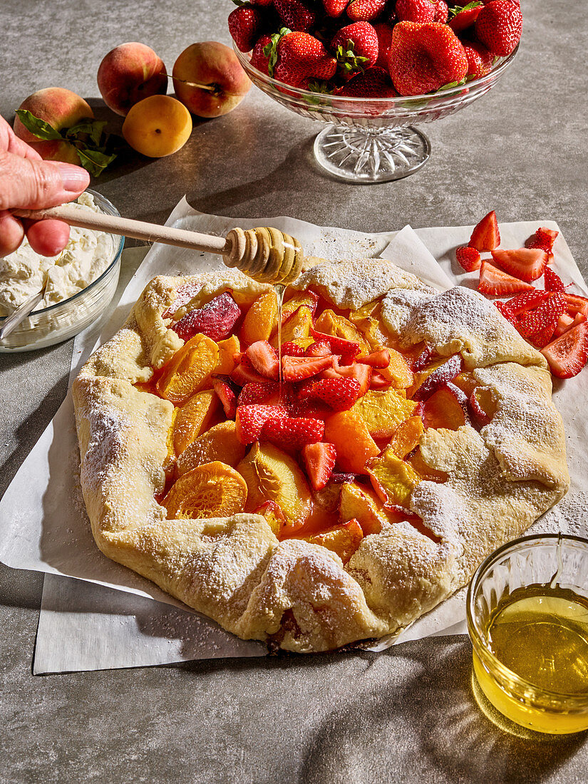 Apricot and strawberry tart