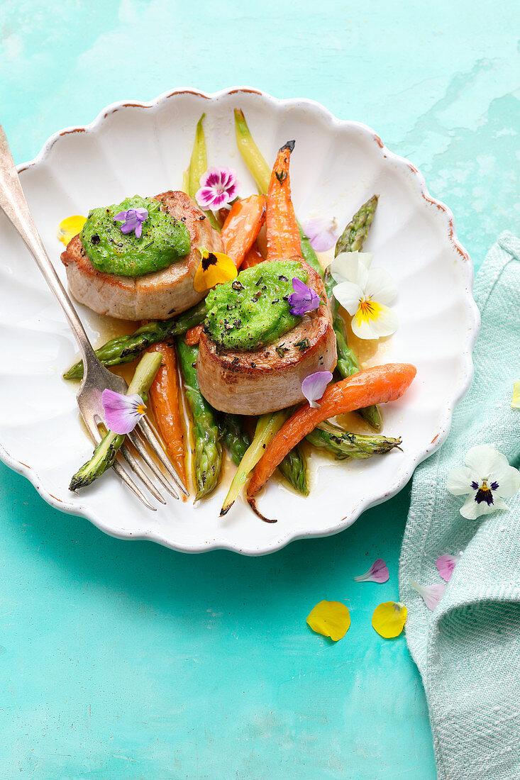 Gratinated pork medallions with spring vegetables