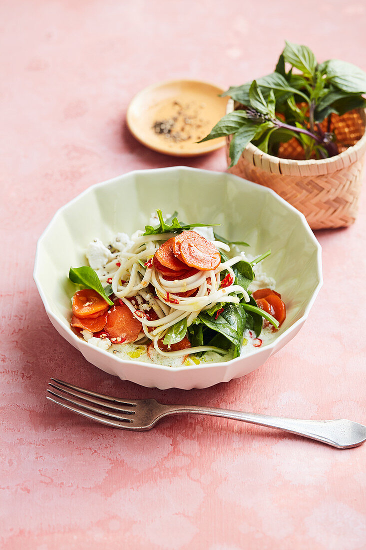 Udon noodles with carrots, spinach, feta cheese and chilli