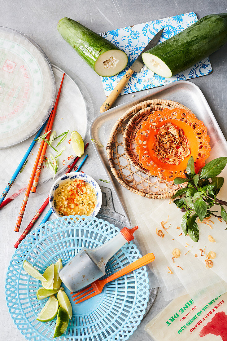 an arrangement of ingredients for a green papaya salad (Vietnam)