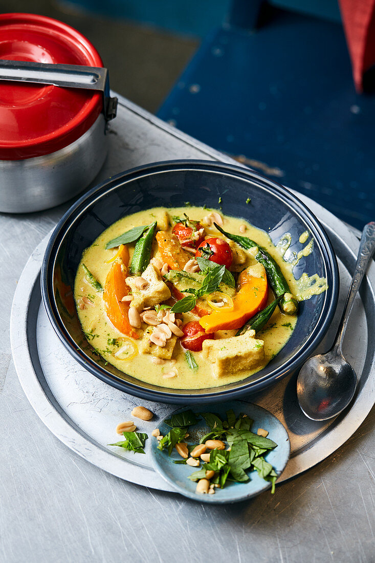 Panaeng curry with tofu and vegetables (Thailand)