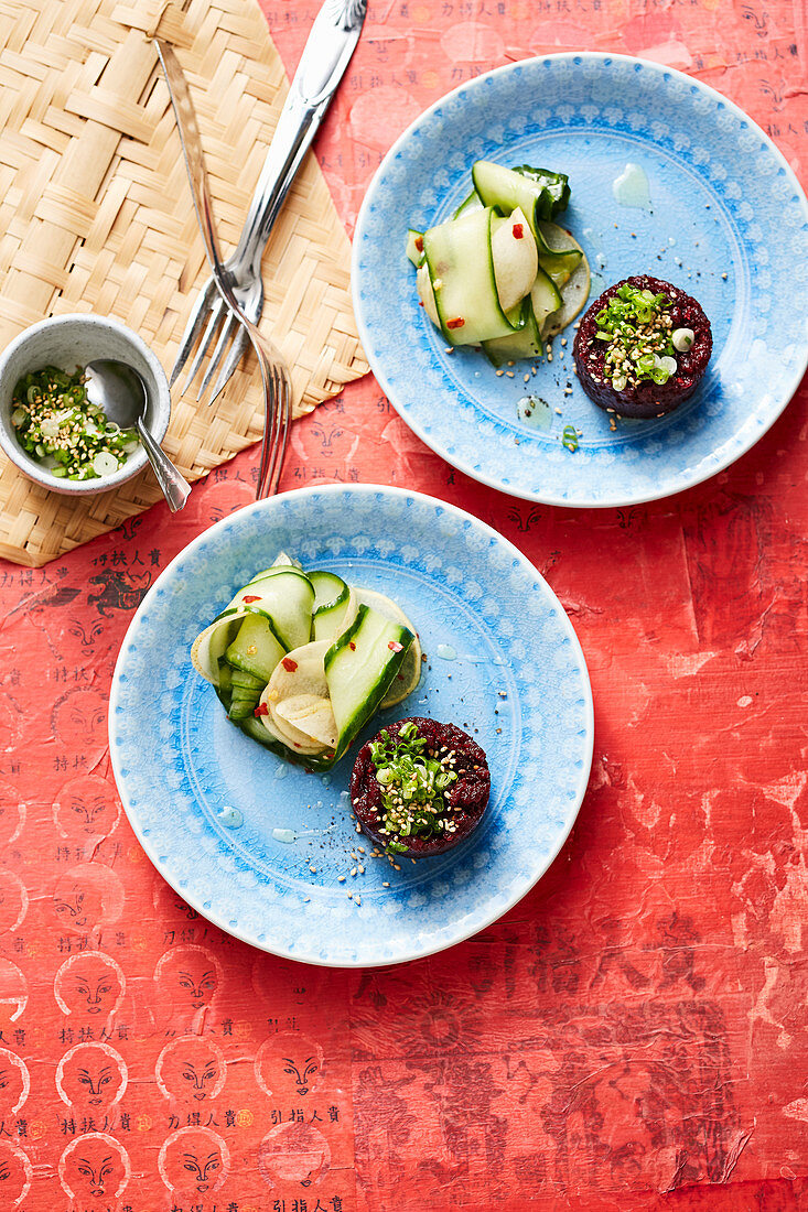 Beetrrot tartare with nashi pear and cucumber salad (Asia)
