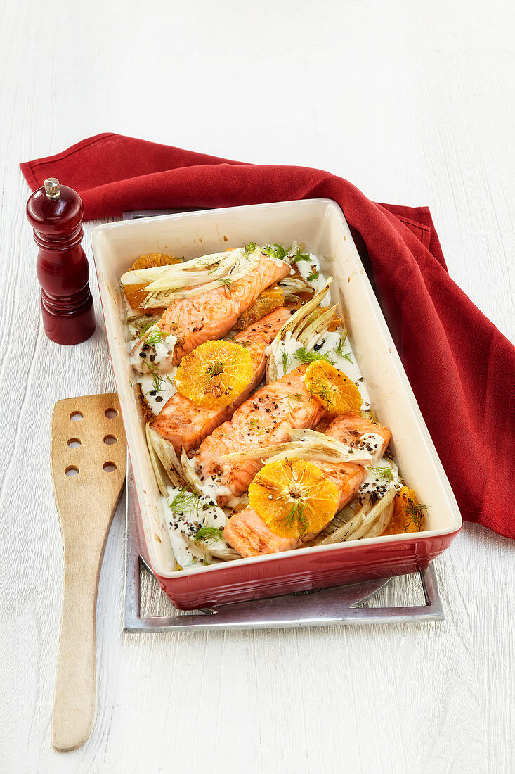 Salmon and fennel gratin with oranges