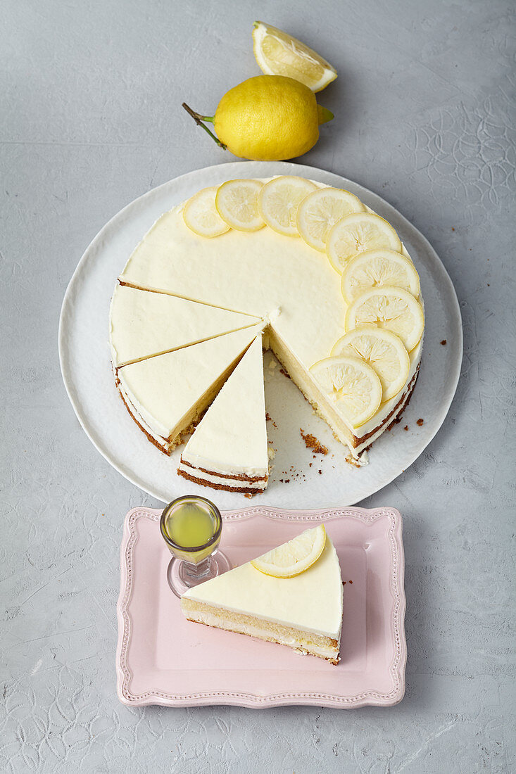 Iced limoncello curd cream cake
