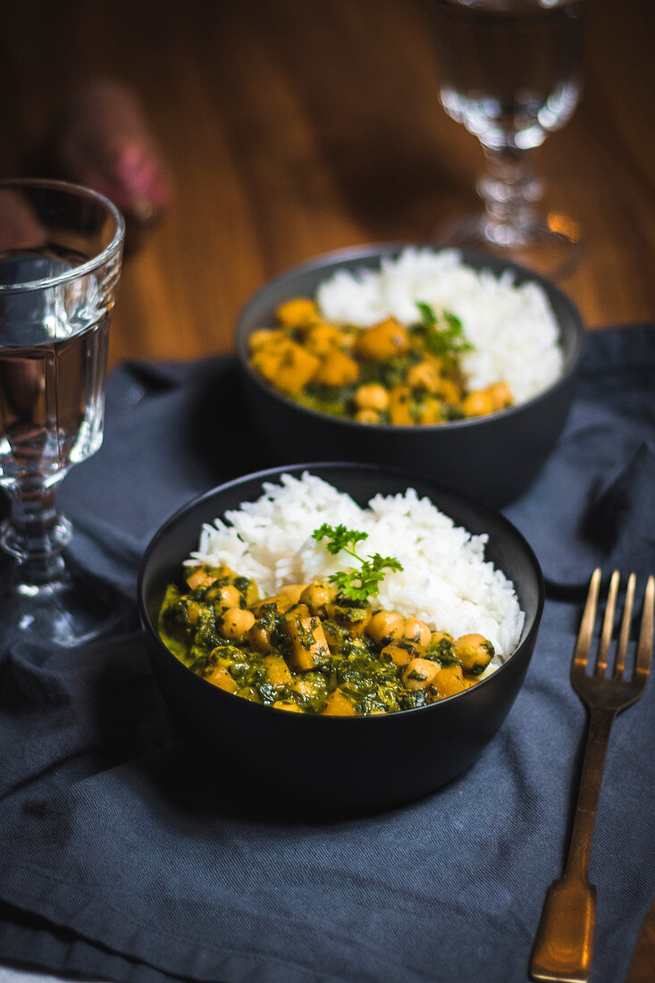 Chickpea and spinach curry with sweet potatoes