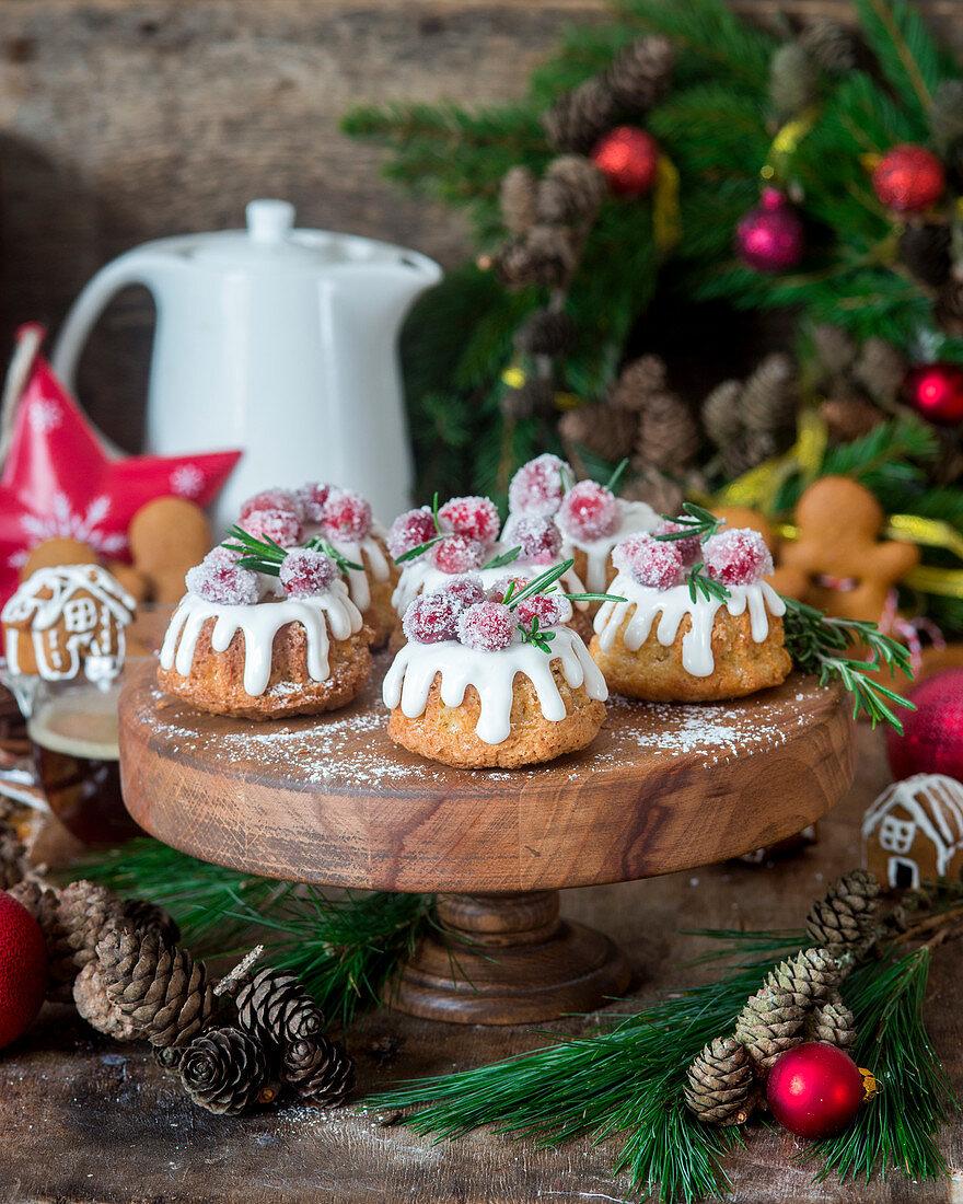 Christmas mini bundt cakes