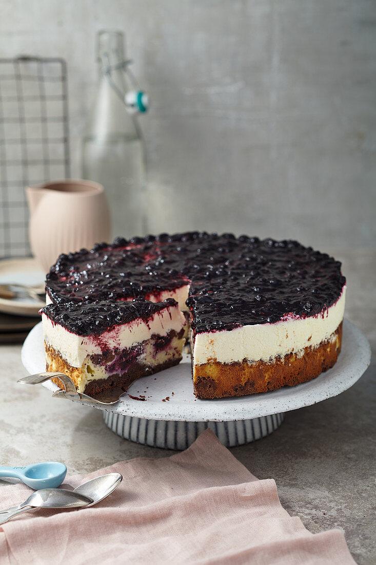 Double Cheesecake mit Heidelbeeren