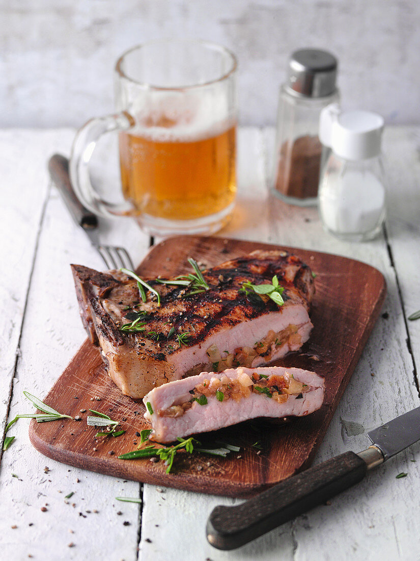 Pork chops with apple and herb filling from the Lower Rhine region