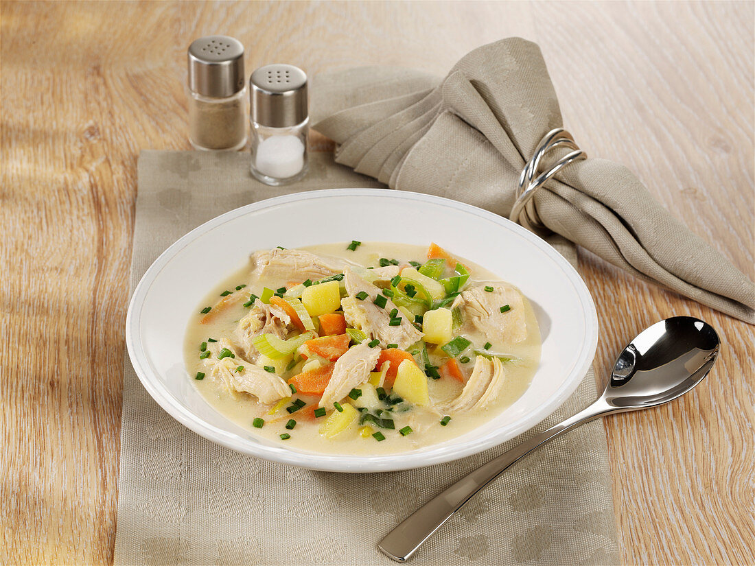 Belgian chicken soup with vegetables