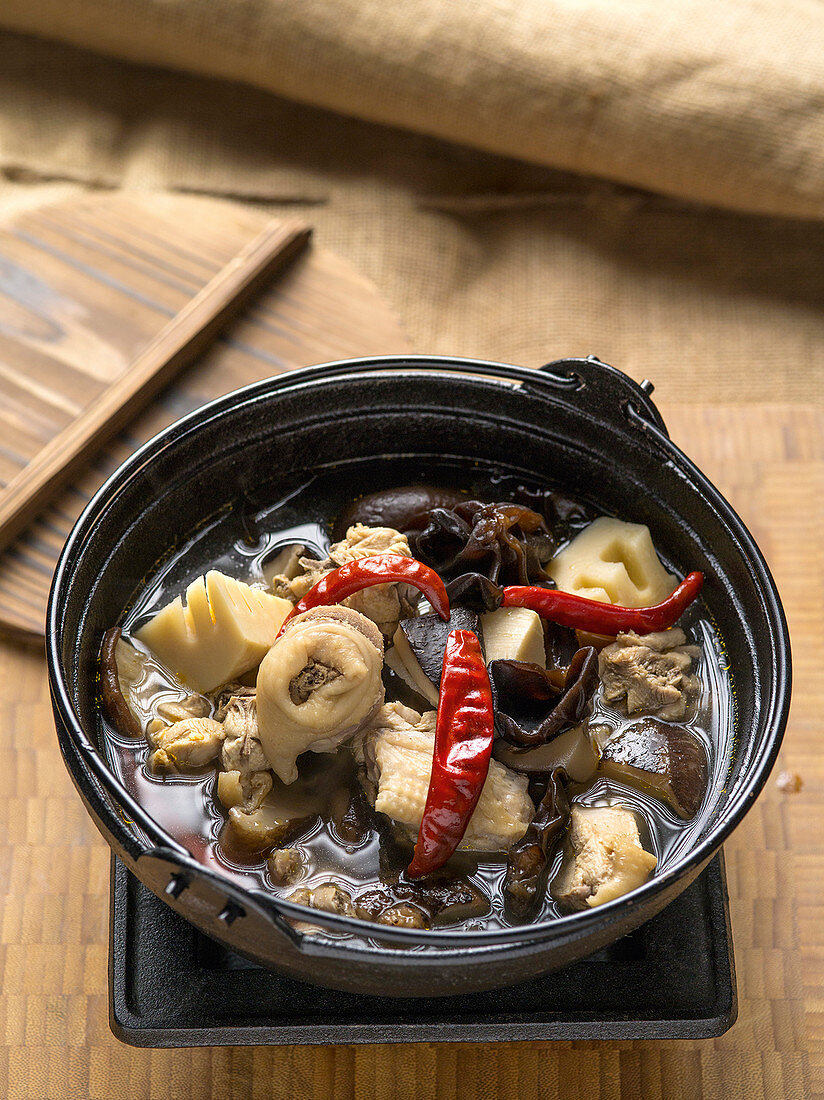Chinese stew with mushrooms, chicken and winter bamboo