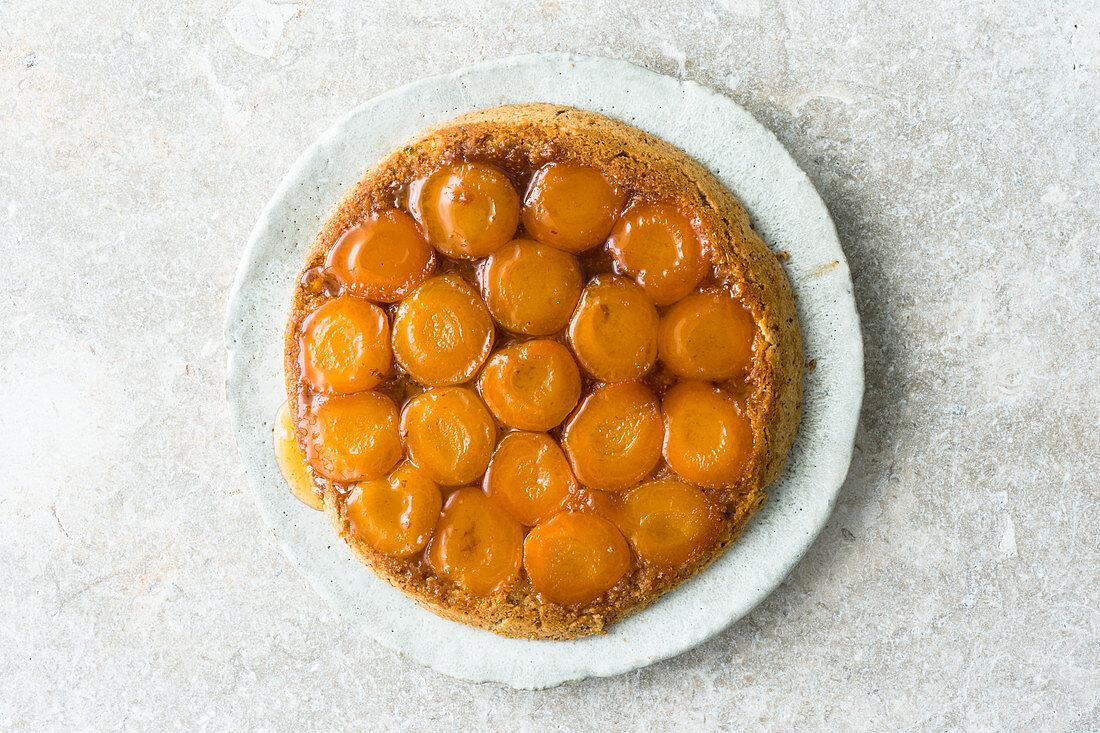 Tarte tatin with apricots (gluten-free)