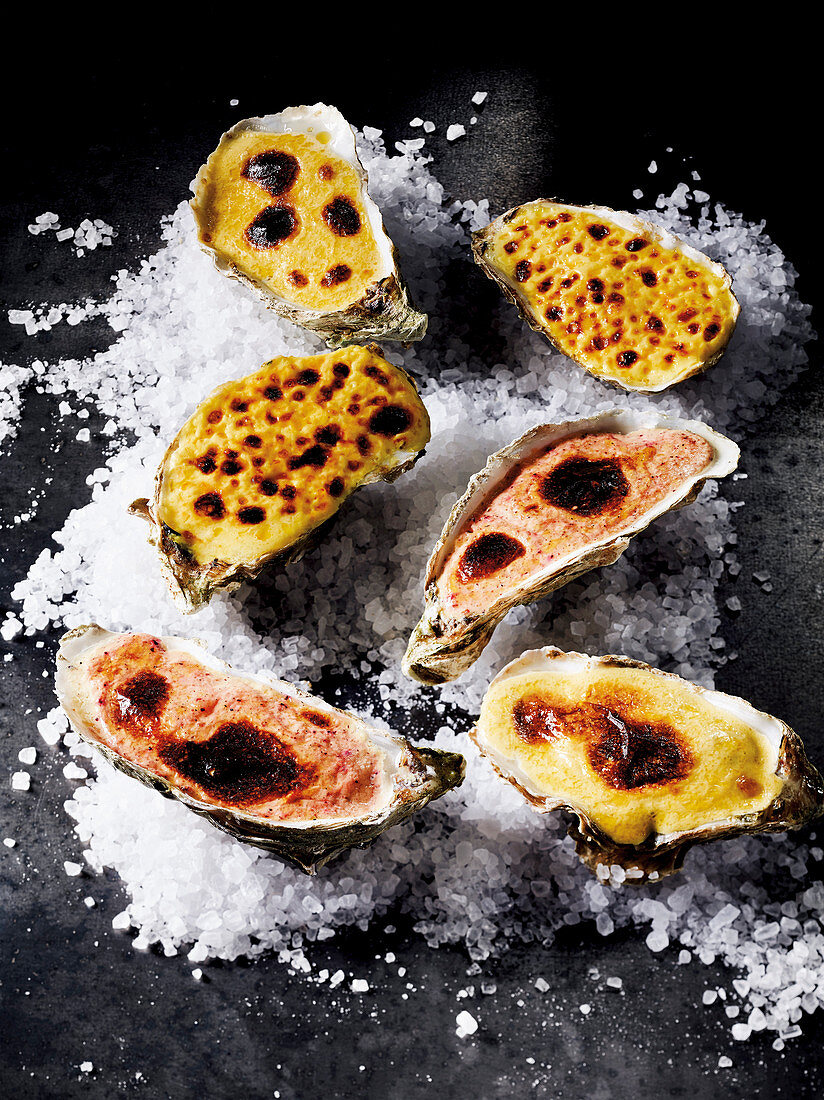 Gratinated oyster with Sauce Hollandaise made in a Beefer