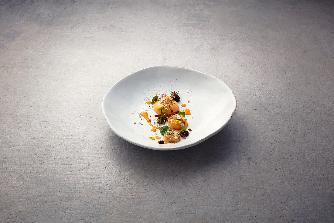 Cheddar cream with beer cereals and chorizo crisps