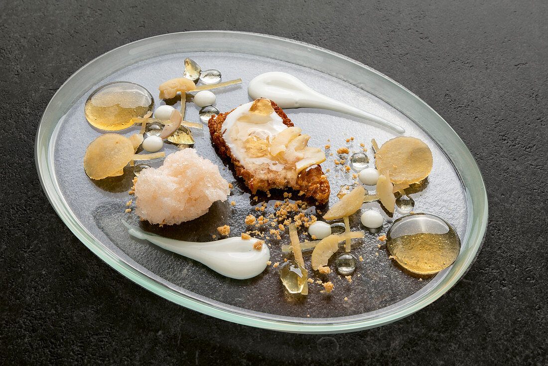 Quince and chestnut bread, quince granité and crumble