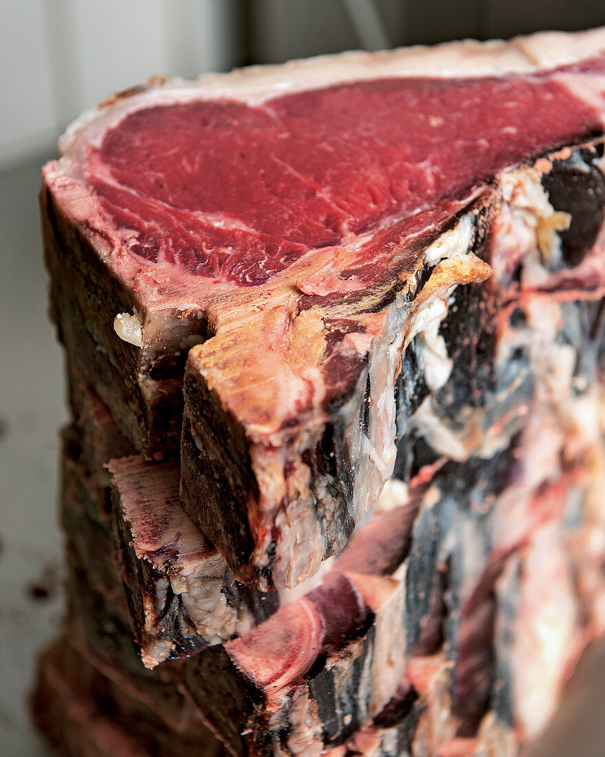 T-bone steaks (dry aging)